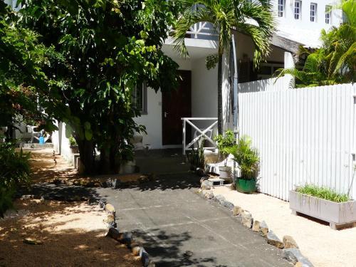 . Maison Sandra Montchoisy