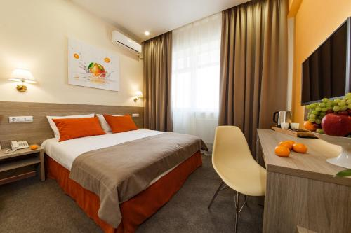 . Mandarin Hotel