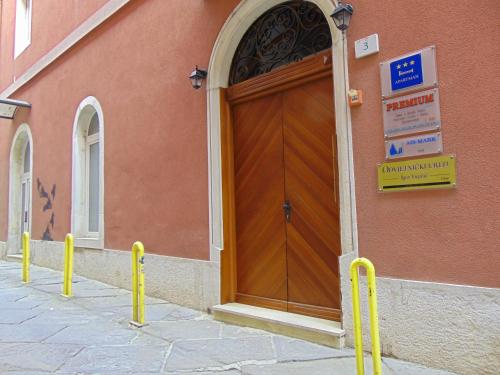 Apartment Držićeva 3, 52100 Pula