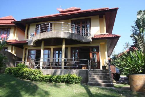 3 Bedroom Villa on Beach Front Resort TG12