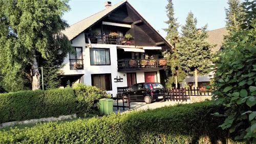 Aparthouse Ani