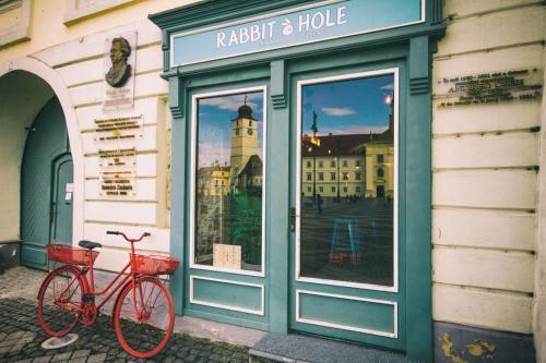 HotelRabbit Hole