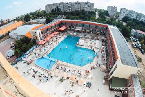 . Hotel Noy