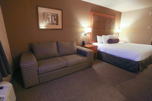 Days Inn by Wyndham Calgary Airport - Calgary, AB T1Y 7K7