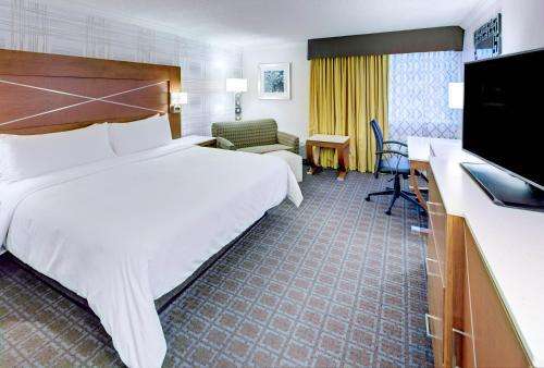 Hotels Vacation Als Near Camp Randall Stadium Madison Wi Trip101