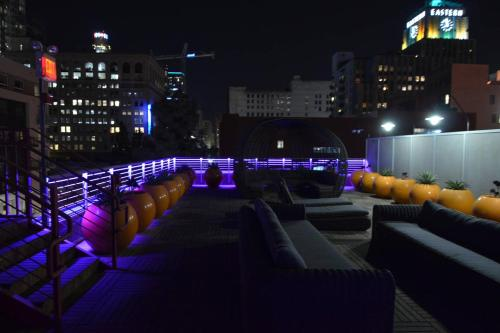 Best DTLA Location. Everything Walking Distance! Main image 2