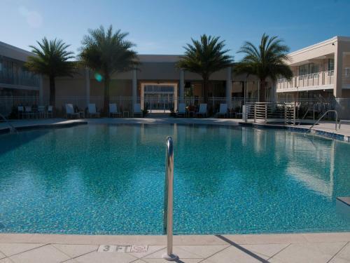 Ramada By Wyndham Venice Hotel Venezia - Venice, FL 34285