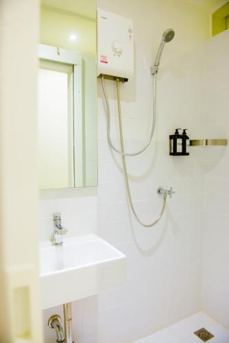 GN Luxury Hostel photo 41