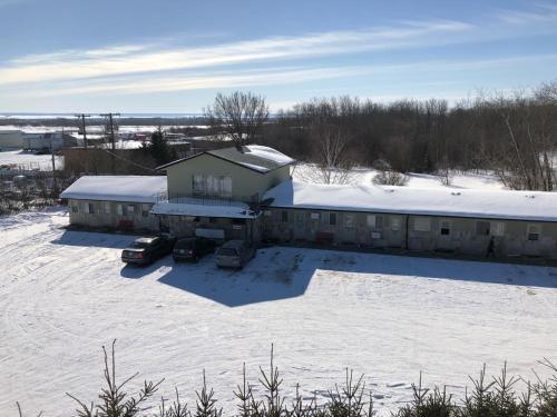 New Country Motel - Swan River, MB R0L 1Z0