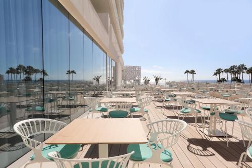 Avenida Ernesto Sarti 5, Costa Adeje 386600, Tenerife.