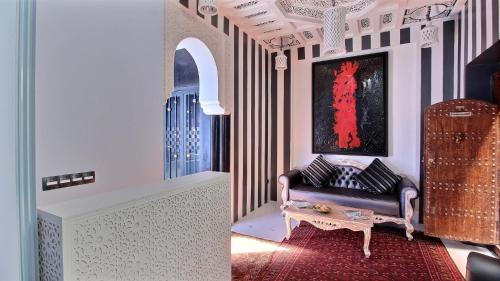 Riad Goloboy, Sidi Mimoun, 40000 Marrakech, Morocco.