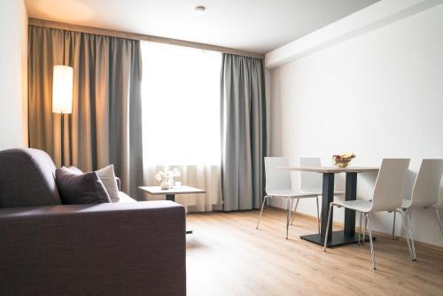 . Daxburg Apartments