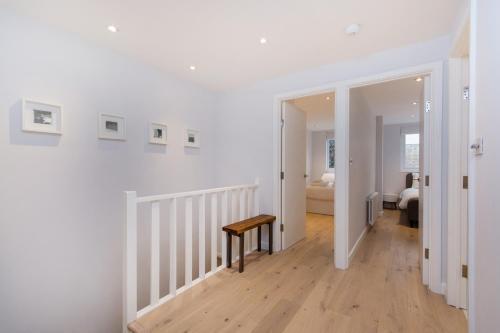 Modern Oasis Apartment (O) a London