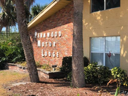 . Pennwood Motor Lodge