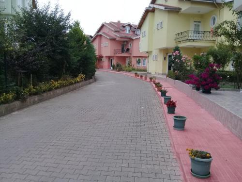 Trabzon Triplex Villa with Sea View at Yildizli Bahcelievler