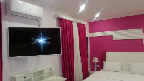Pink Apartment near Airport - Nizhnyaya Alekseyevka