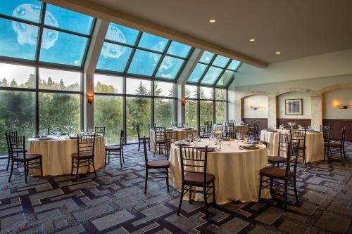 Hilton Bellevue - Bellevue, WA WA 98004