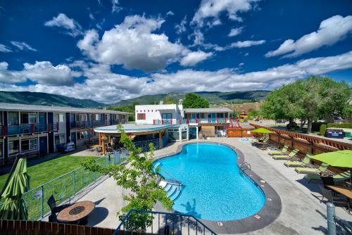 Bowmont Motel - Photo 1 of 63