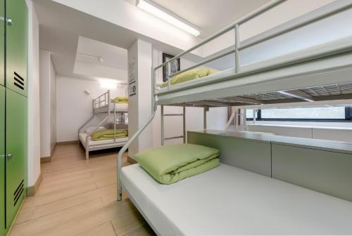 1 Bed in 8-Person Mixed Dormitory