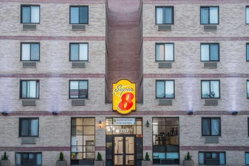 Super 8 by Wyndham Brooklyn / Park Slope Hotel Main photo