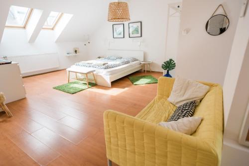 D.Five High Light Apartment