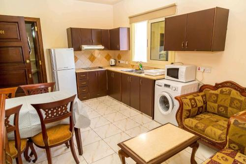 Chrysanthos Boutique Apartments - Photo 4 of 49