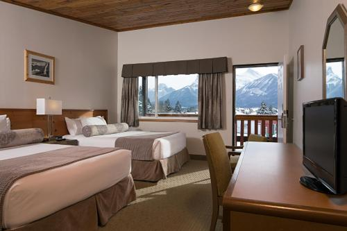 Rocky Mountain Ski Lodge - Canmore, AB T1W 1L7