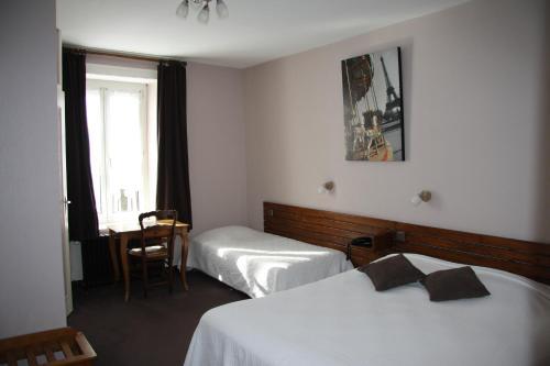. Hôtel Restaurant Le Dauphin