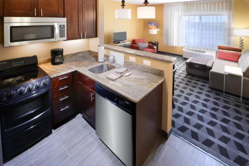 TownePlace Suites by Marriott Houston Westchase - image 7