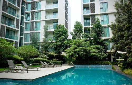 Condominium Condominium