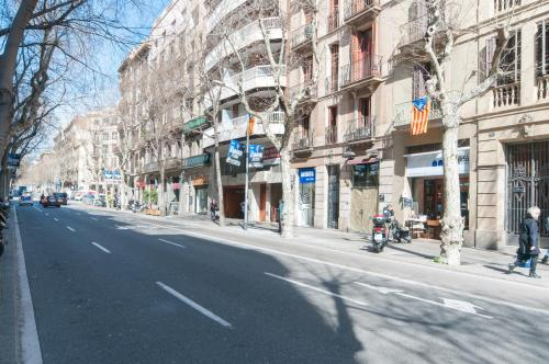Charming Apartment in Barcelona Center photo 6