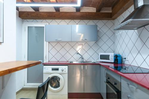 Charming Apartment in Barcelona Center photo 20