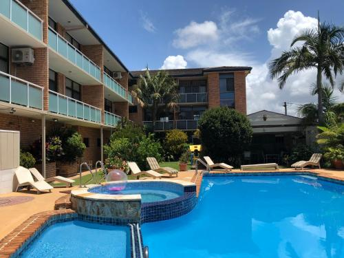 . The Tahitian Holiday Apartments