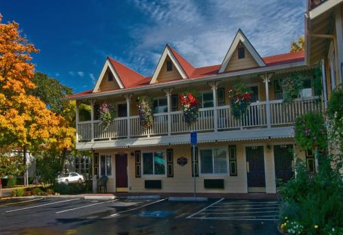 . Silverton Inn & Suites