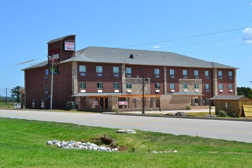 . Red River Inn and Suites