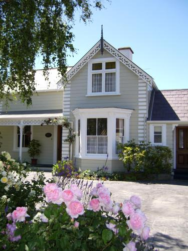 Cambria House - Accommodation - Nelson