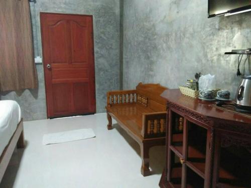 Pottery Street House room photos