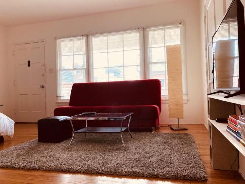 Charming Studio In The Heart Of Westwood Village - Los Angeles, CA 90024
