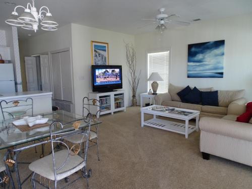 Beach Therapy - 2 Bedroom - Tybee Island, GA 31328