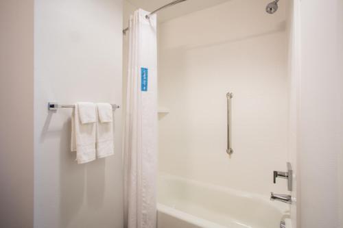 Hampton Inn & Suites Denver-Downtown Co - Denver, CO 80203