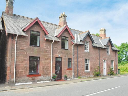 . Clayron Cottage