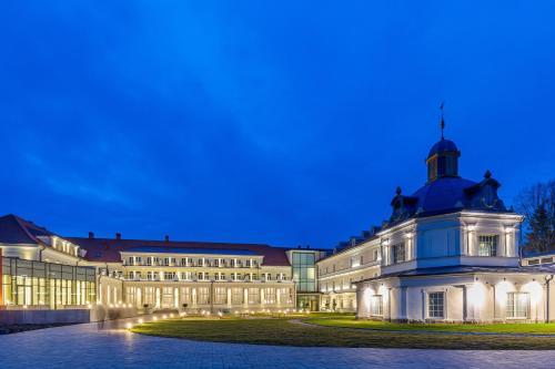 Royal Palace - Hotel - Turčianske Teplice