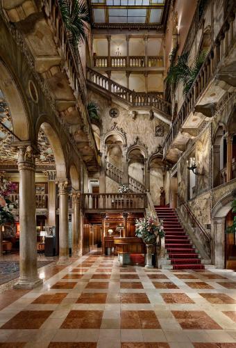 Castello 4196,  Venice 30122, Italy.
