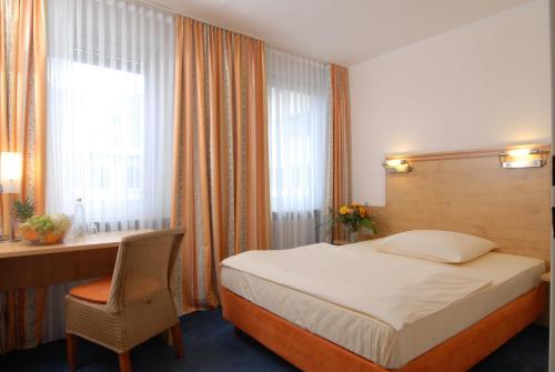 Hotel Amba photo 28