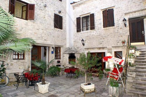Apartment Trogir 2979a, Pension in Trogir