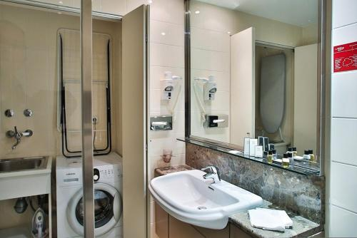 Adina Apartment Hotel Budapest photo 2