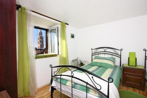 Apartments with WiFi Split - 4760, Pension in Split