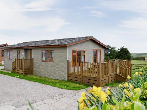 Apple Blossom Lodge, St Mawgan, Cornwall