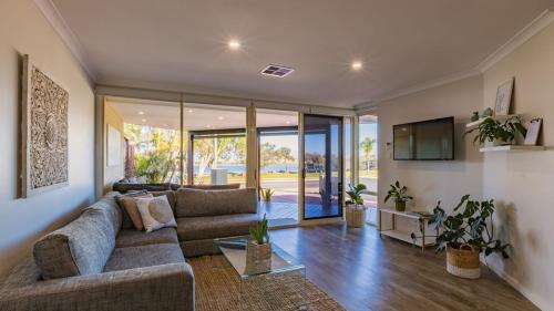 Starboard Views Kalbarri - River Front Apartment