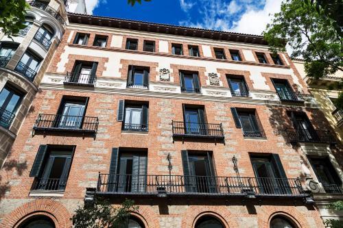7, Calle de Fortuny, 28010 Madrid, Spain.